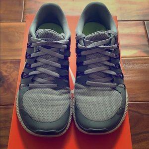 Nike Free 5 Sneakers